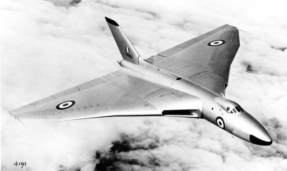 The early production aircraft were painted silver. (Avro)
