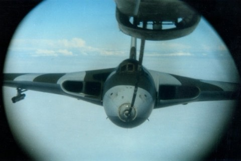 A Black Buck Vulcan takes on fuel as seen through the Victor tanker's periscope. (Norman Curtis-Christie)