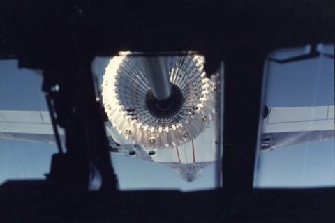 Refuelling from a Vulcan B2(K) as seen from an RAF Hercules. (Crown Copyright)